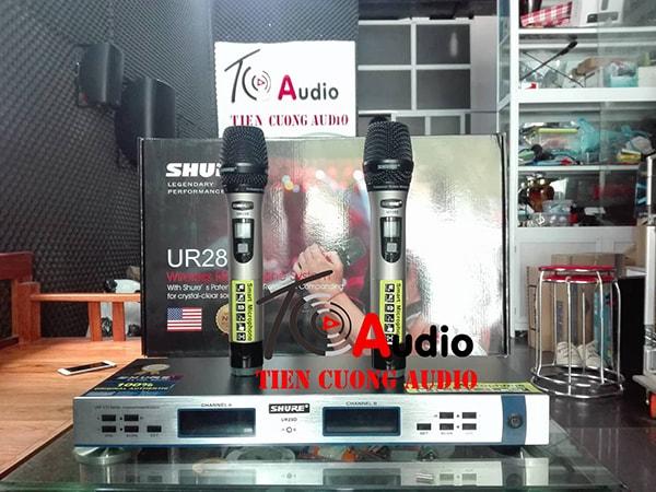 Micro không dây Shure UR28D tiếng sáng, không hú rít, thiết kế kiểu dáng cực đẹp