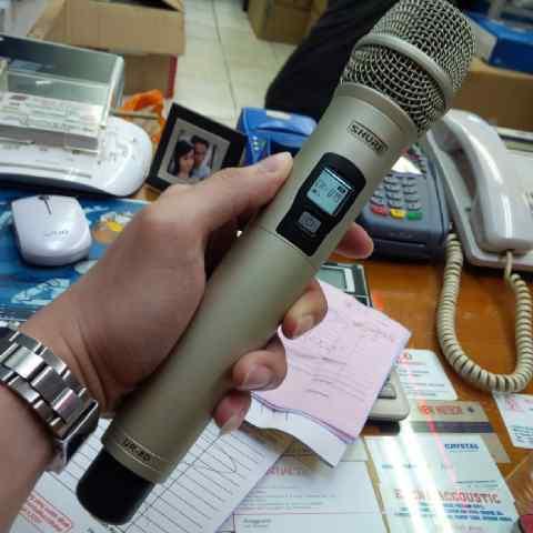 Micro-khong-day-shure-UR8D-gia-re