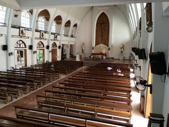 Lắp loa hộp treo tường cho nhà thờ chuẩn nhất hiện nay