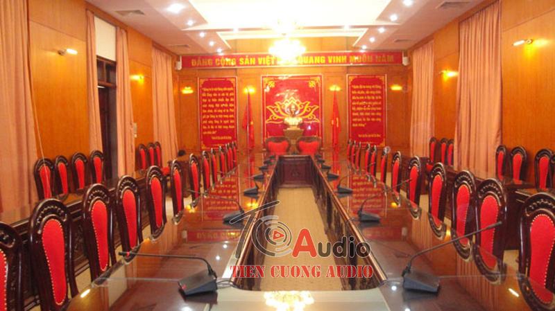 Micro cổ ngỗng APU dùng cho phòng họp hội thảo chuyên nghiệp