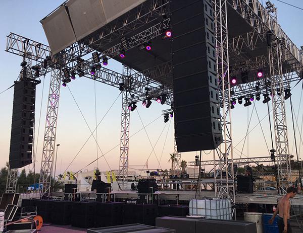Dàn âm thanh loa full và loa sub Fly phục vụ sân khấu lớn