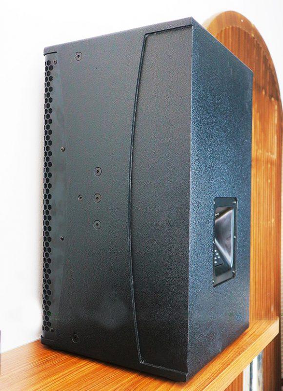 Mặt sau của loa King Audio hàng chất lượng cao
