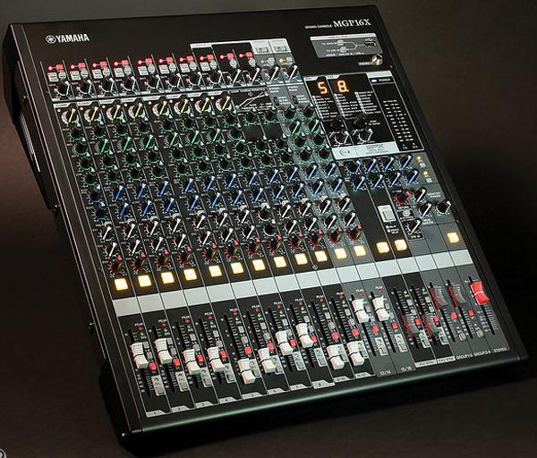 Mixer Yamaha MGP16x chuyên sân khấu hội trường karaoke chuyên nghiệp