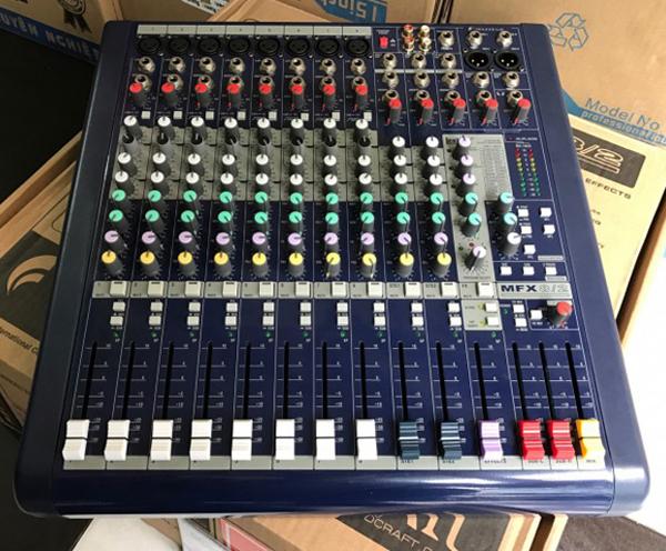 Mixer Soundcraft dùng sân khấu hội trường chuyên nghiệp