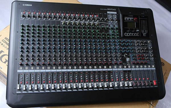 Mixer Yamaha chuyên dùng cho âm thanh sân khấu chuyên nghiệp