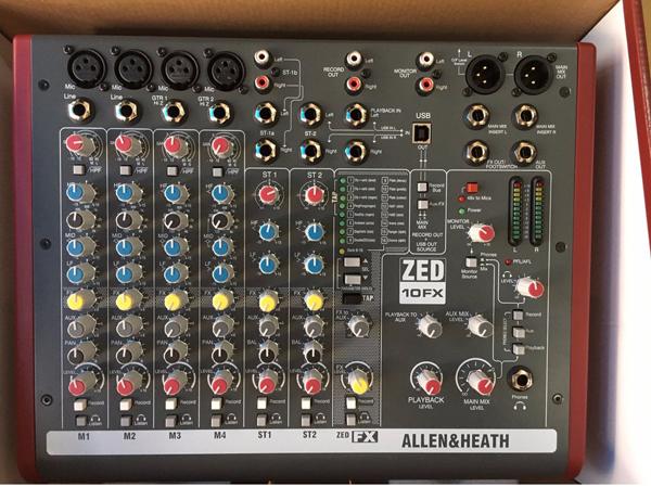 Bàn mixer thiết kế đơn giản dễ sử dụng